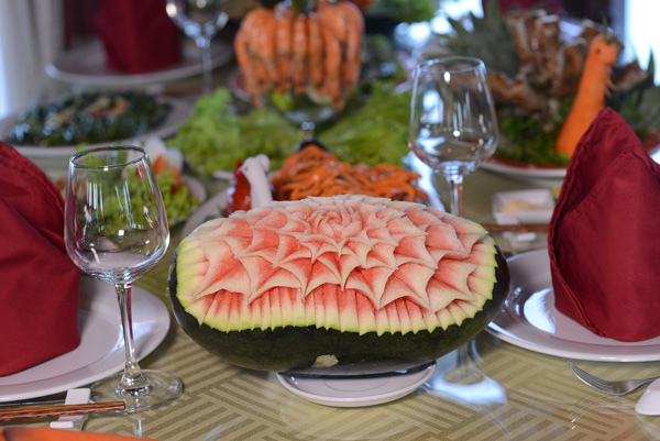 halong royal palace cruise - food.jpg