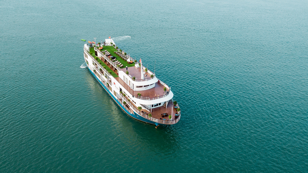 Halong Lan Ha Mon Cheri Cruises