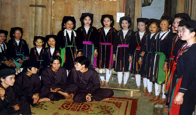 Efforts made to keep alive the art of Soong Co folk songs