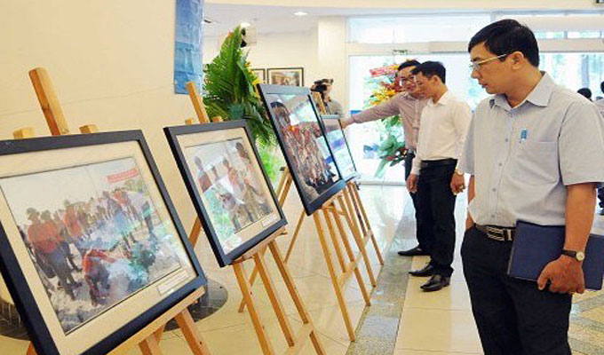 Photos on Truong Sa exhibited in Thai Nguyen