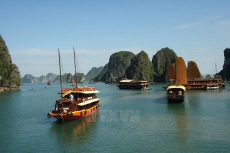 Overnight cruising in Ha Long Bay to be banned 'soon'