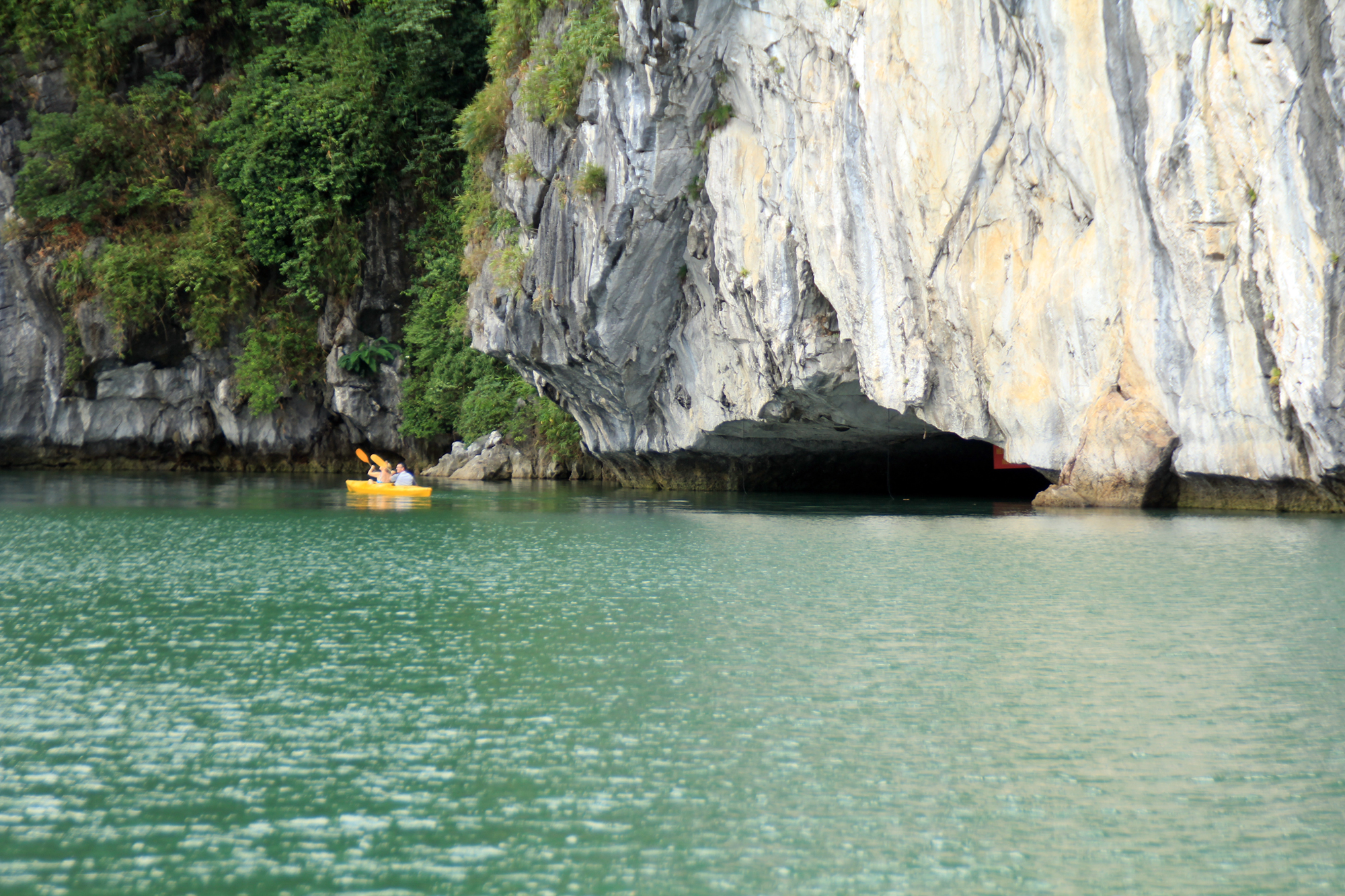 Halong Luon Cave