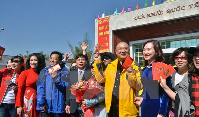 Quang Ninh: border tourism thrives
