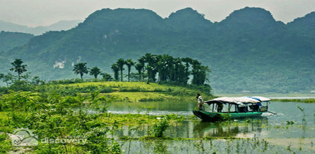 Thac Ba lake in Vietnam - Ecotourism destination