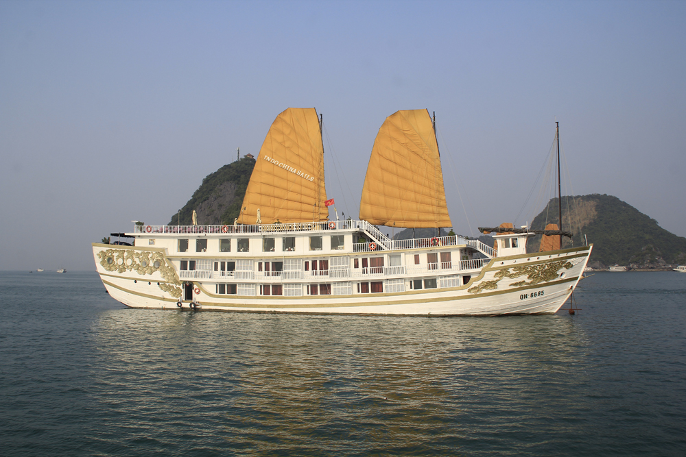 HALONG INDOCHINA SAILS - HOT PROMOTION