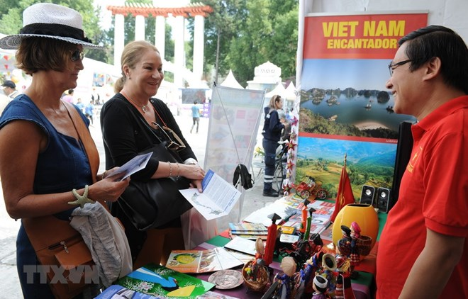 Viet Nam's images promoted at culture festival in Mexico