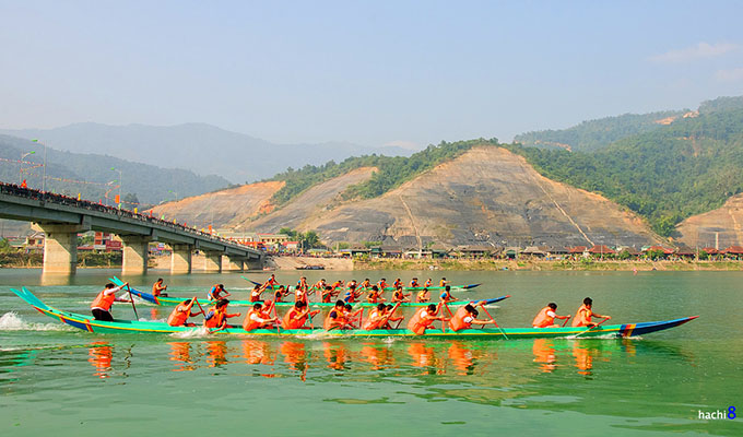 Traditional boat race launched in Muong Lay