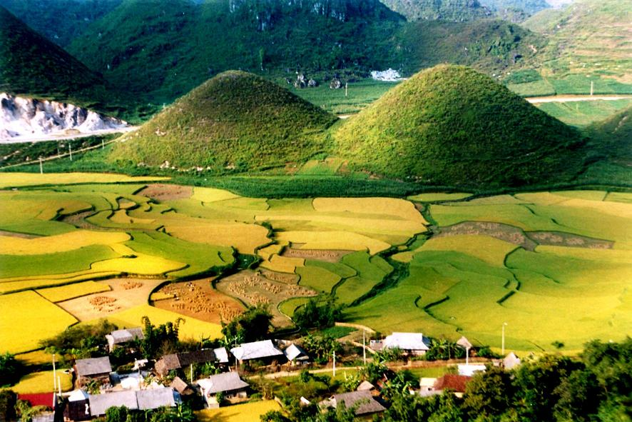 Quan Ba Twin Mountain Ha Giang Vietnam