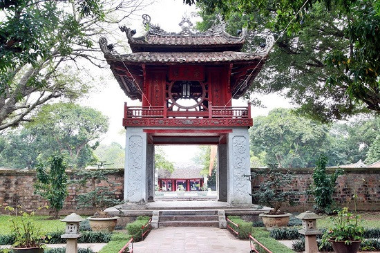 Hanoi remains a friendly-safe destination for foreign tourists despite coronavirus