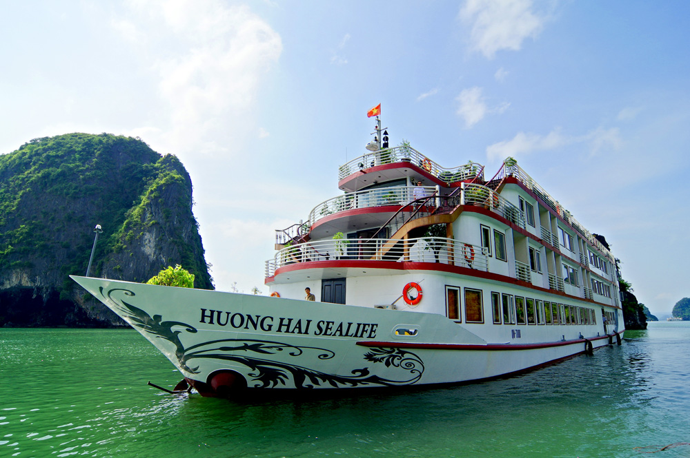 Halong Huong Hai Sealife & Hanoi package in 4 Days - FROM 229 USD